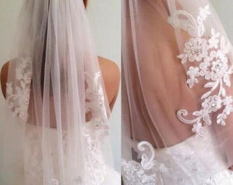 Bridal Single Tier Soft Tulle Embroidery Crystal Rhinestone Flower Appliqué Fingertip Length Veil with Comb
