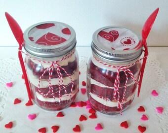 Red Velvet Cake in 2 jars