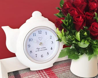 Vintage Style Tea Pot Clock