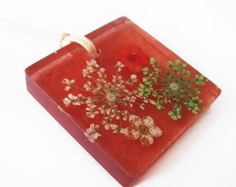 Sara square resin flowered jewelry pendant necklace nature in colorful dried flowers