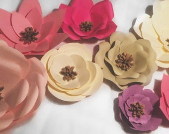 Set of 8 large card-stock flowers!