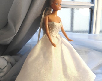 White dress Barbie, Barbie Wedding Dress, Dress doll clothing, clothes for dolls, Barbie Fashion.