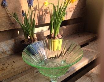 "Glass bowl ""Art Deco Style"" zartgrün"