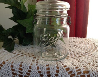 Ball Ideal  Wire Bail Pint Jar