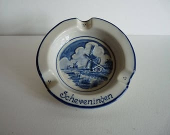 Delft 'Scheveningen' ashtray