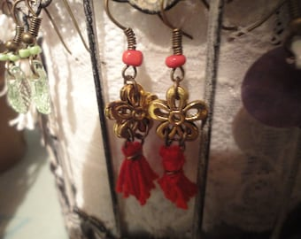 Earrings bronze, golden flowers and Red Pompom