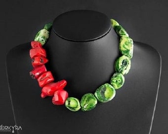 Red and green coral necklace