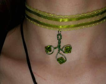St Patricks day shamrock choker