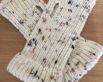 Fingerless Gloves Made On A Round Loom