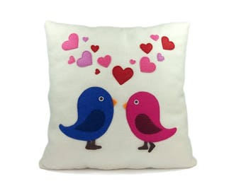 Valentine's birds | Lovely birds | Decorative pillow with birds | Birds with hearts - SoftDecor