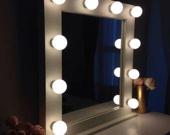 Hollywood mirror / makeup mirror with lights