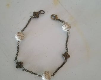 Antique gold chain with ivory and gold beads