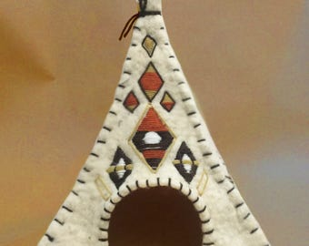 WigWam Kitten Bed / Felt Cat House / Warm Pet Bed
