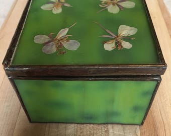 Glass Jewelry Box, Green Glass Trinket box, Jewelry Box with Real Pressed Flowers and Mirrored Bottom.
