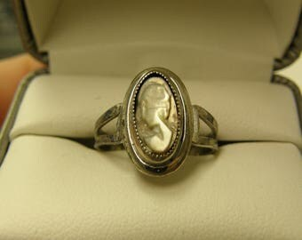Vintage Cameo Sterling Silver Ring- Size 8