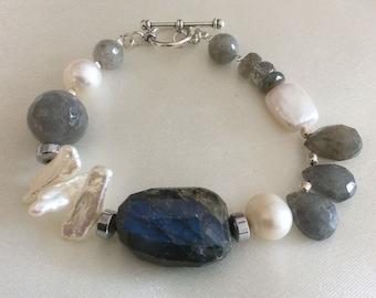 Labradorite and freshwater Pearl bracelet
