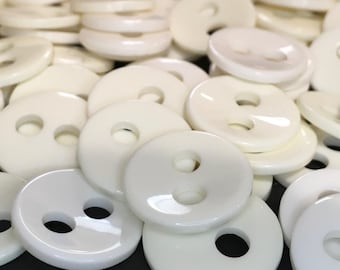 6 Cream/Ivory Coloured 20m Plastic Buttons, Two Holed, Sewing, Dressmaking, Scrapbooking, Knitting, Crochet