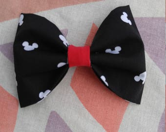 Black and White Classic Bow