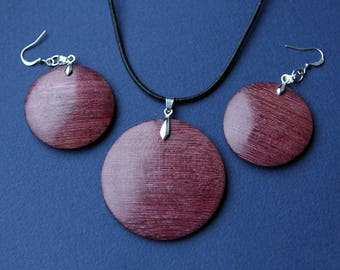 Pendant and earrings from Purpleheart wood