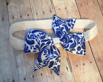 "4"" Lilly inspired bow with optional headband"