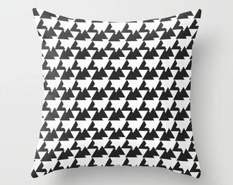 Monochrome, Monochrome cushion, Geometric cushion, cushion cover, Monochrome nursery, throw pillow, Geometric home decor, black geometric