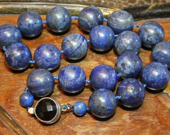 Antique Chinese Lapis Lazuli Necklace