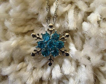 Blue Snowflake Silver Necklace