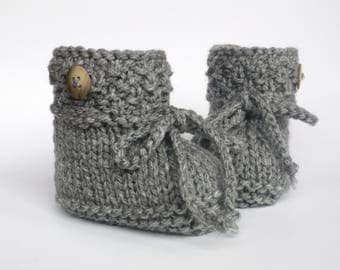 Knitted baby shoes dress shoes
