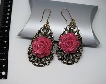 EARRINGS with pink rose pink handmade resin on bronze with earwires cod. BRR1G