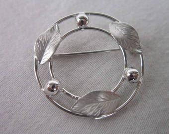 Vintage White Gold Filled Circle Brooch Leaf Design