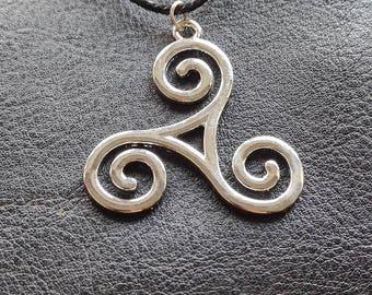 TEEN WOLF necklace triskele necklace halskette triskellion triscele allison scott derek Wolf