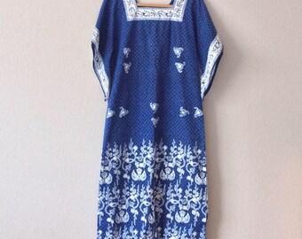 1970's Ibu Bintang Negara Womens Caftan Blue Batik Hippie Boho Dress