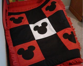 MICKEY MOUSE  crib/toddler  BLANKET
