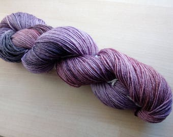 Hand-dyed wool active bamboo fine Magnolia