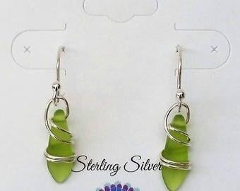 Summer Jewelry Trend, Everyday Earrings, Green Jewelry, Drop Earrings, Boho Jewelry, Beaded Earrings, Minimalist Jewelry, Dangle Earrings