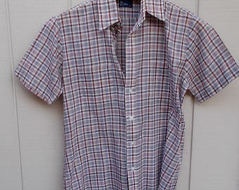 Vintage 70s Classic Short Sleeve Plaid Shirt / Men's Semi-Sheer light Retro Shirt in Brown and Blue // Sz M