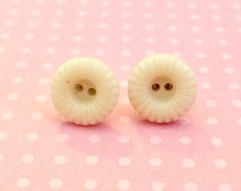 Button Stud Earrings.