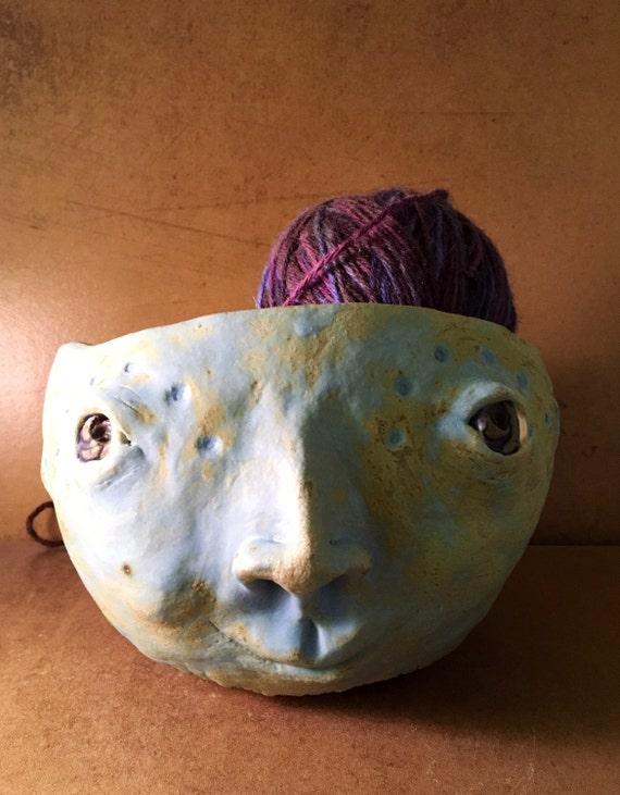 Knitting Bowl Face : Face yarn bowl