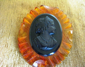Vintage Amber Lucite Black Cameo Pin Brooch Large EXC