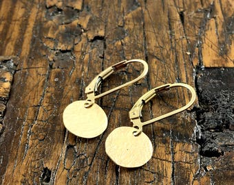 Simple Gold Circle Disk Earrings / Gold Fill/ Hammered Metal/ Minimalist Earrings/ Full Moon Earrings