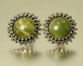 Vintage/ estate 1950s/ 60s mod green marbled glass costume stud clip on earrings - jewelry jewellery UK seller