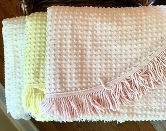 Vintage Chenille Bedspread - Morgan Jones - White Pink Yellow with Silver Thread - Lurex - Twin Bedspread - Full Coverlet - Blanket - Cutter
