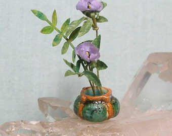 Miniature Arts and Crafts Matte Vase with Texture in 1:12 Dollhouse Scale for Dolls House
