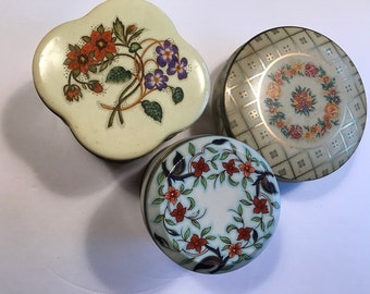 vintage mixed lot 3 tins floral pattern Daher floral England UK