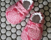 pink baby shoes, ready to ship baby shoes, soft sole baby shoes, girl baby booties, leather baby shoes, baby shower gift