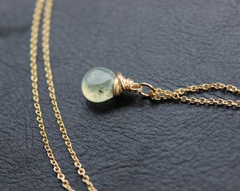 Smooth Prehnite Gold Necklace