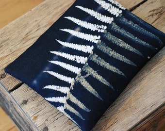 Fern leaf purse with zip, iPhone pouch, leaf zipper clutch purse, bracken fronds