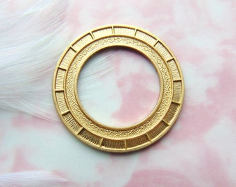 Closeout * BRASS Round Art Deco Frame Stamping ~ Jewelry Findings ~ Brass Stamping (E-563)