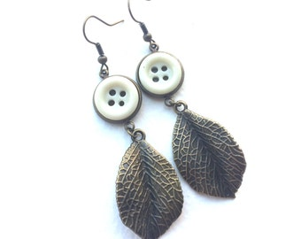 Autumn White Button Earrings with Leaves