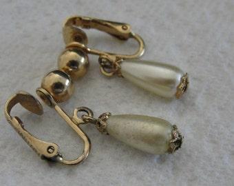 Simulated Pearl Dangle Clip Earrings